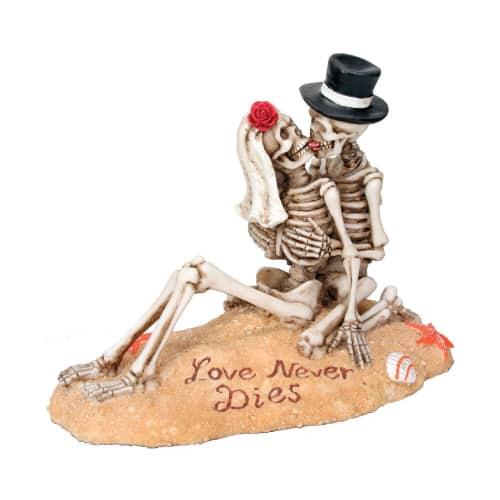 Beach Lovers Figurine
