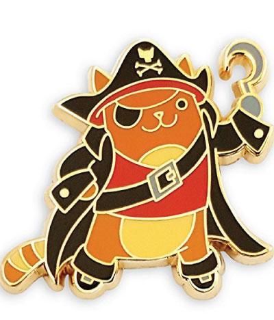 Pirate cat lapel pin