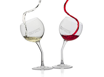 unique curved | drink responsibility don't spill #wine #winelover #wineglasses