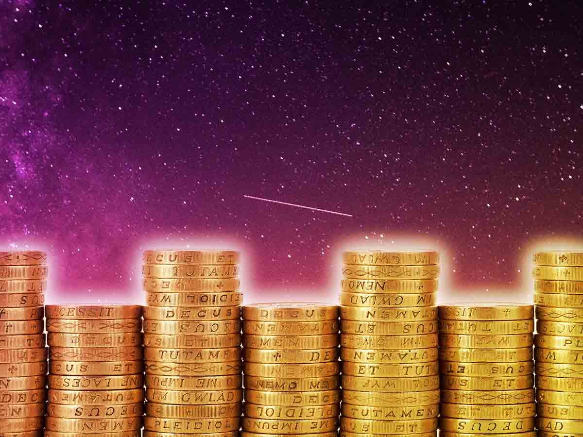 Money & Astrology: 5 Zodiac Signs That Are Good With Money