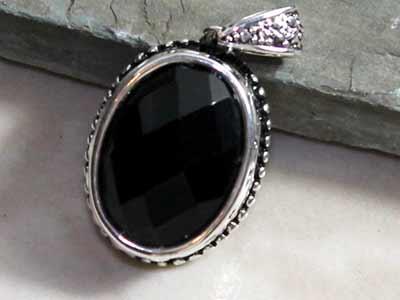 january gem black onlyx - birth gem january
