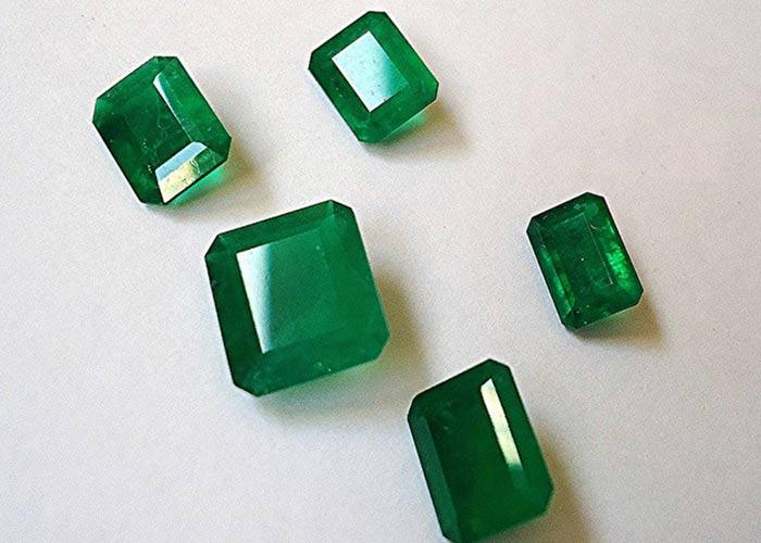 emerald taurus gemstone